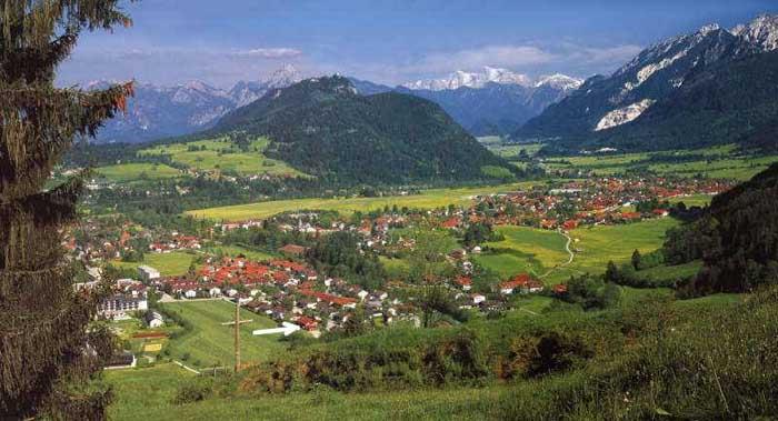 Weißer Pfeil: Landhaus Kiechle im Pfrontener Tal in ...